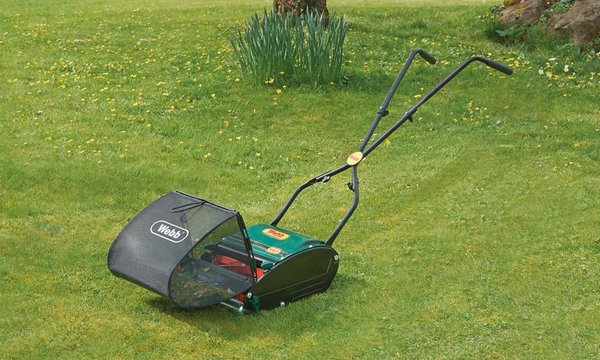 Reducing Carbons: Review of the Top 5 Manual Push Lawn Mowers on Amazon