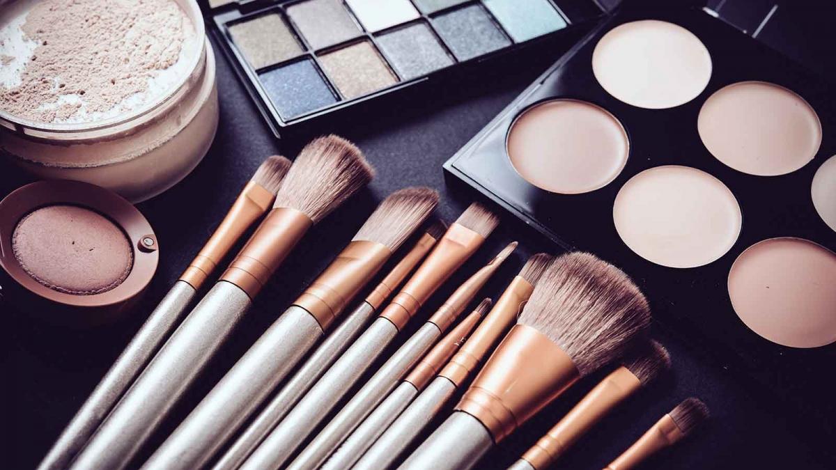 Shelf Life of Makeup & Cosmetics: Expiration Dates