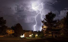 4 Solutions to Protect Your Home in a Thunderstorm