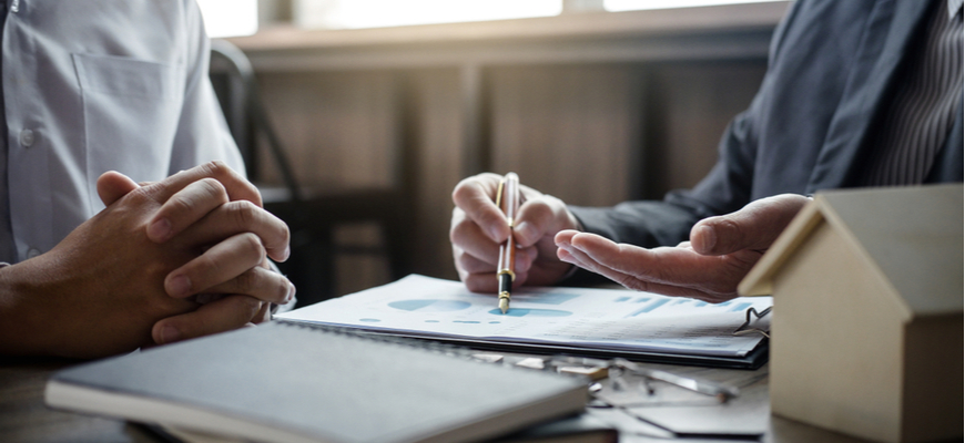 How to Select the Right Estate Planning Lawyer - HouseAffection
