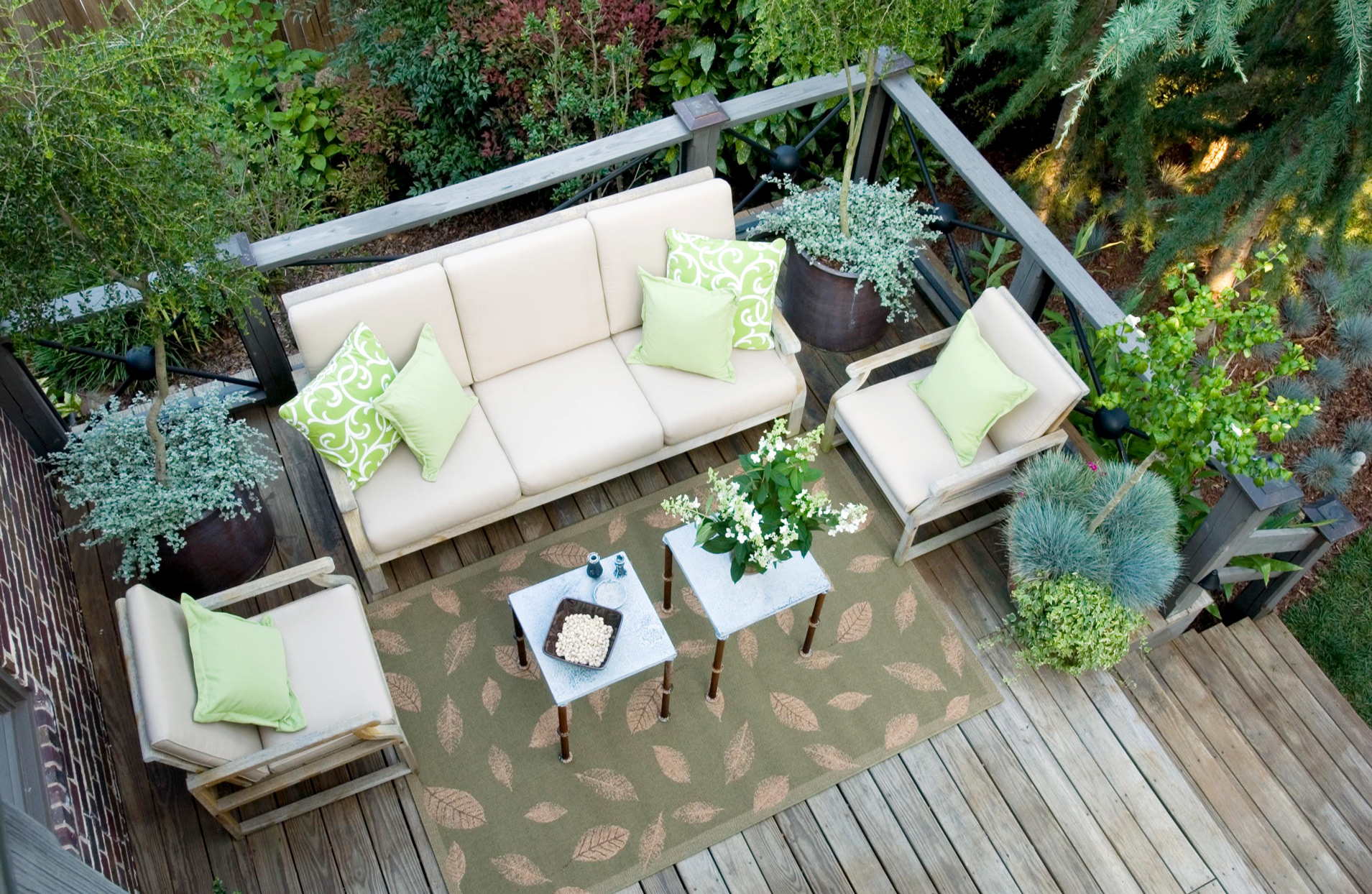 Here Are Seven Tips for Choosing Garden Furniture
