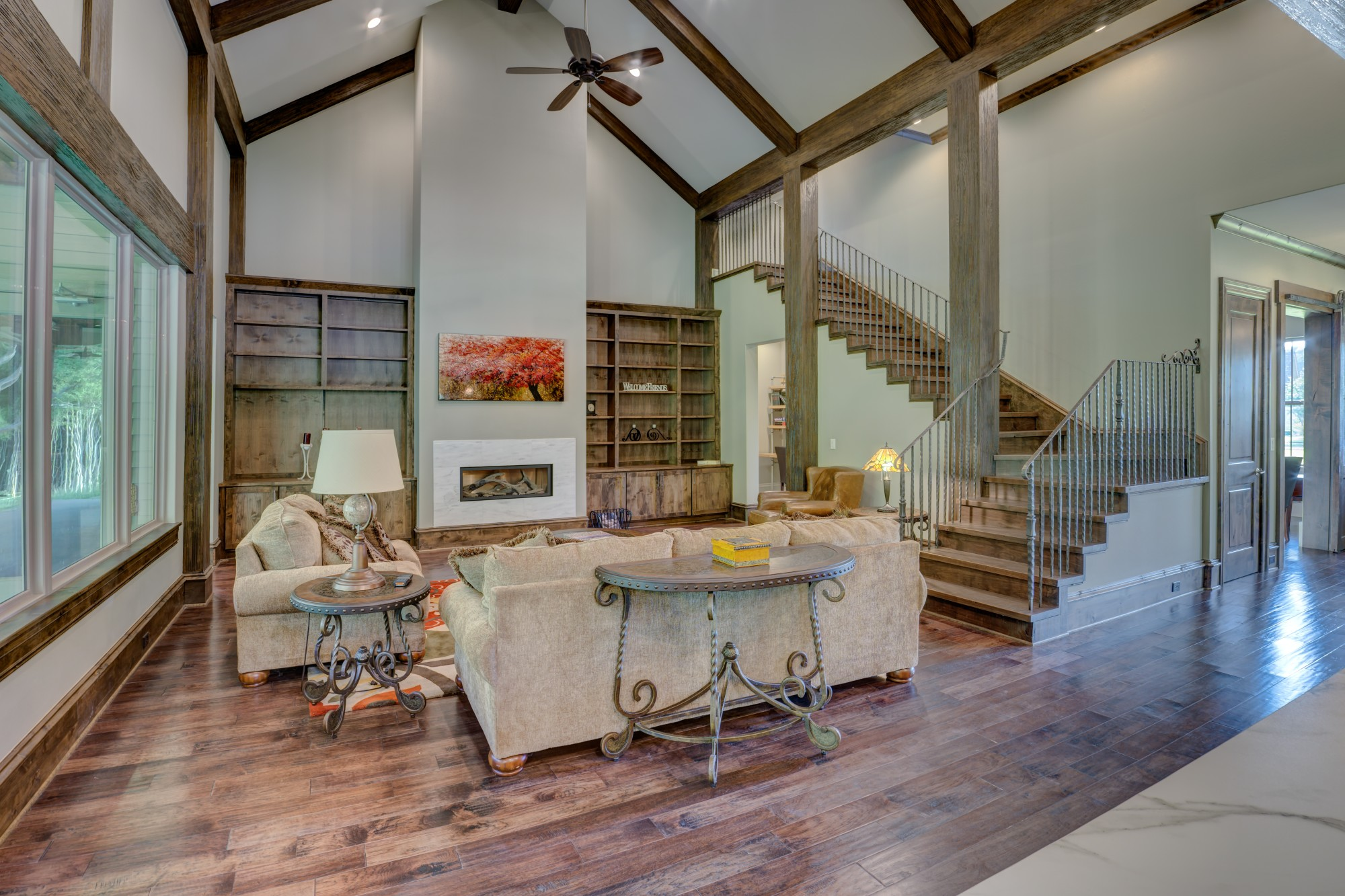 Home Design Ideas: 8 Advantages of a Vaulted Ceiling